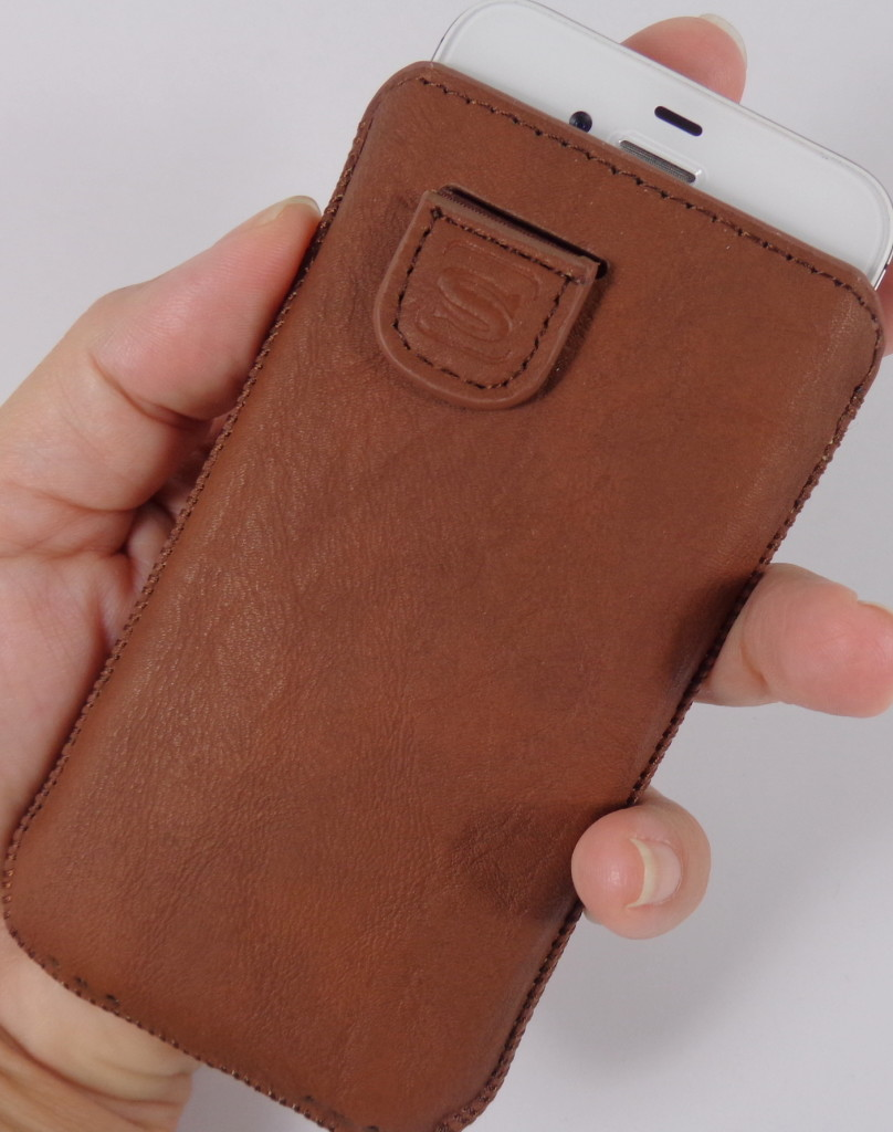 Snugg iPhone Case in Distressed Brown Leather