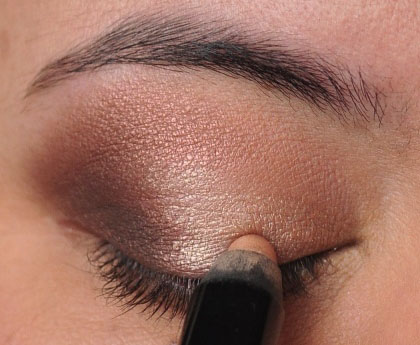 Smoky Gold Eyeshadow Tutorial 10