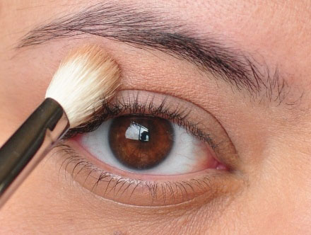 Smoky Gold Eyeshadow Tutorial 3