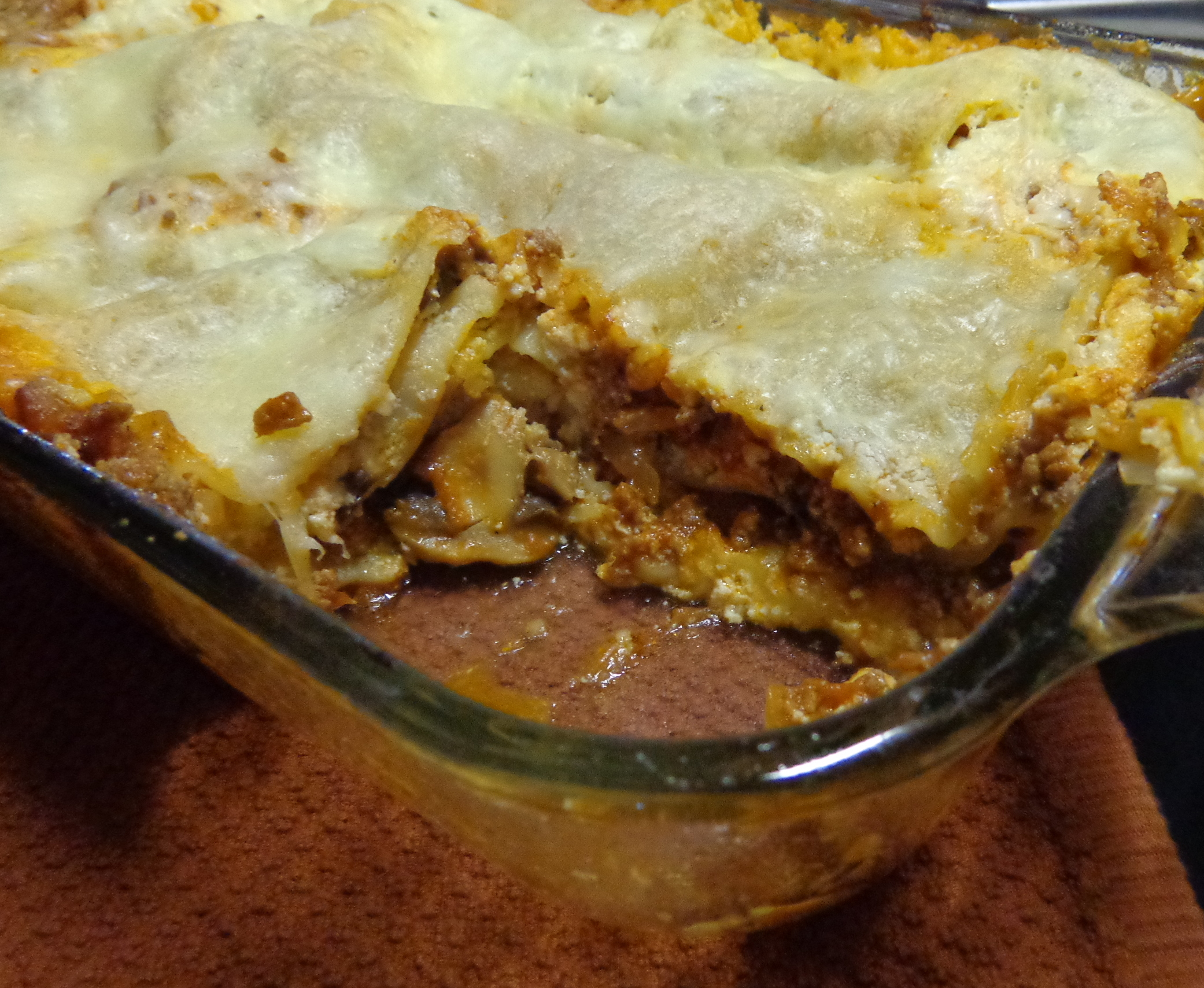 a review of a recipe of baked lasagna sheets Dry lasagna sheets work the best for this recipe, i have tried it with fresh, and it didn't turn out as well, so i always use the dry ones, i think it helps absorb the excess liquid and makes it turn out so good.