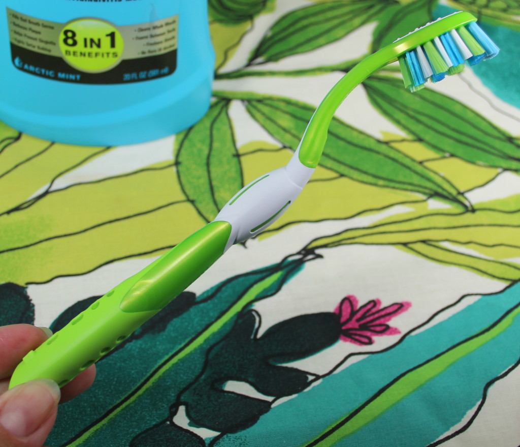 REACH Complete Care Curve Toothbrush Review
