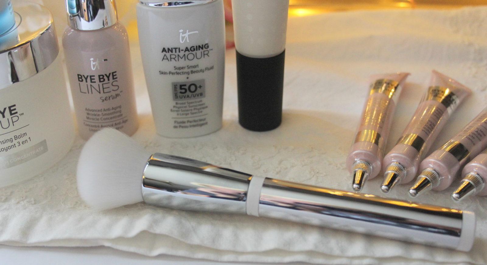 It Cosmetics 702 Brush