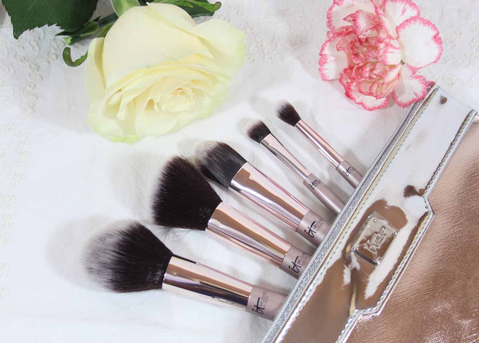 IT Cosmetics City Chic Brush Set Review