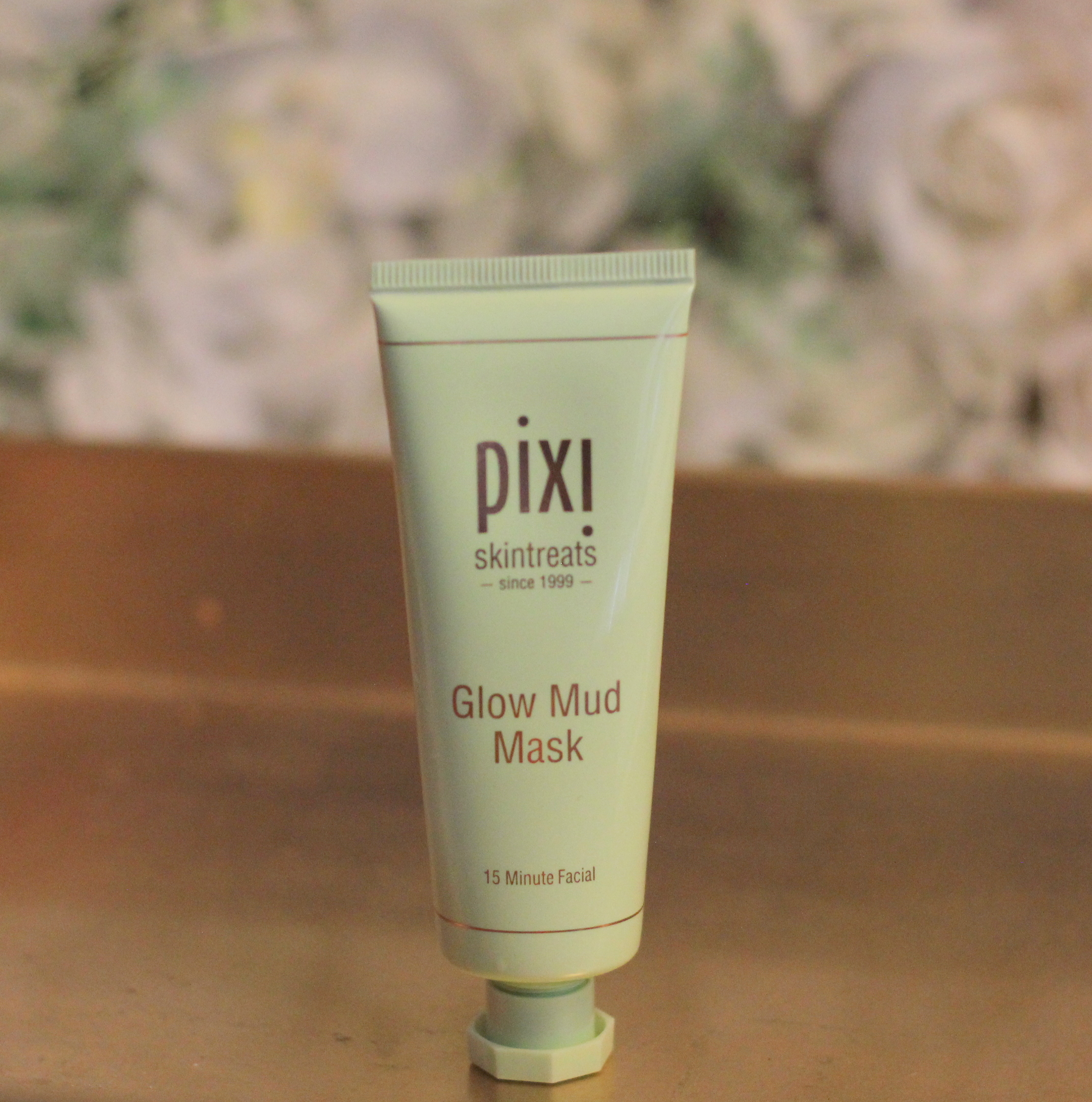 Pixi Glow Mud Mask Clears Pores with a Gentle Touch